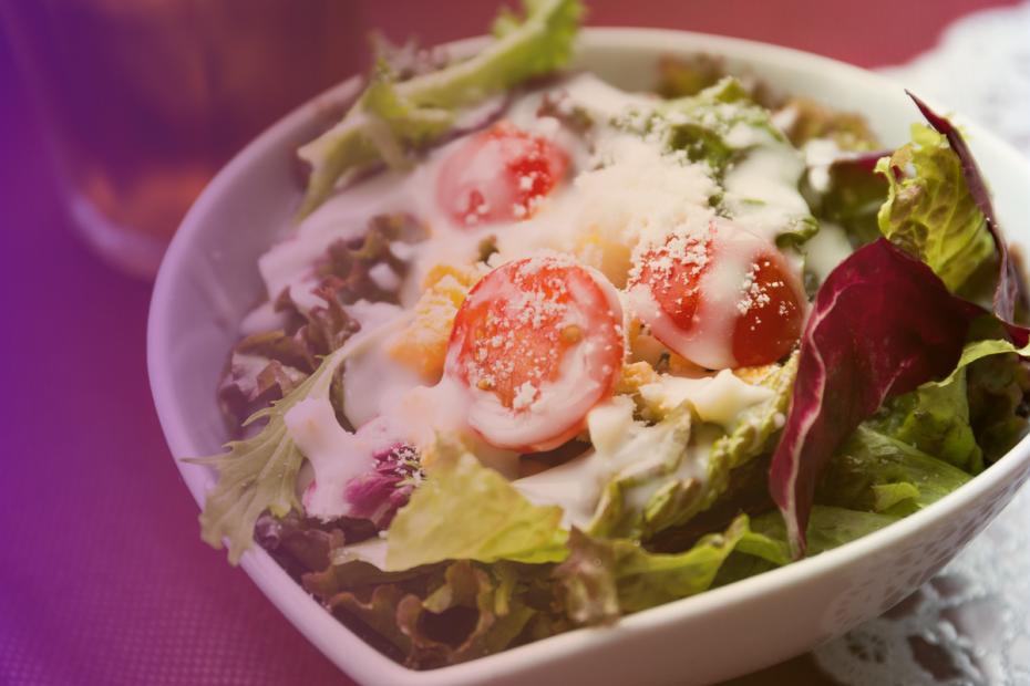 Foto de prato de salada